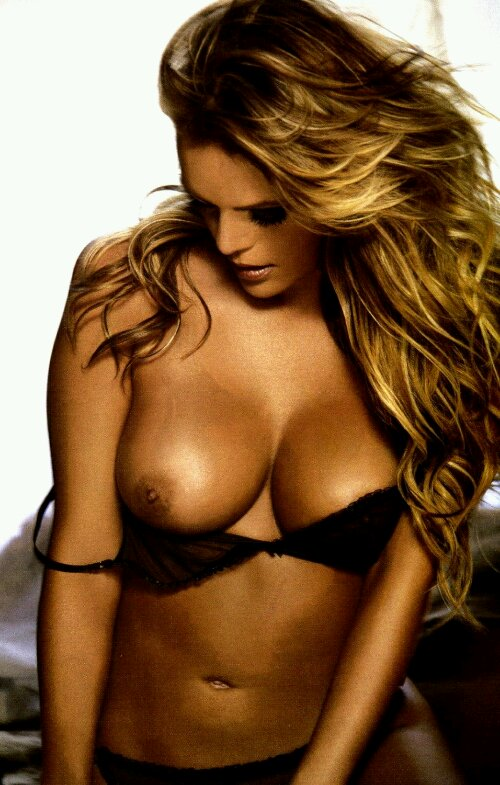 Web libre desnuda de la celebridad